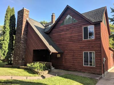 Single Family Home Contingent: 202 W Warren Street