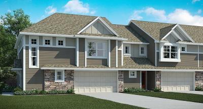 Maple Grove Condo/Townhouse For Sale: 10270 Dallas Lane N