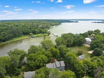Minnetrista Single Family Home For Sale: 5430 Ridgewood Cove