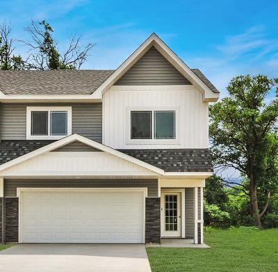 North Branch Condo/Townhouse For Sale: 39557 Oak Park Trail