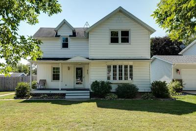 Single Family Home For Sale: 815 Hoffman Street W