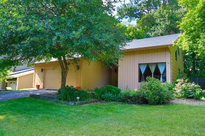 Lakeville Single Family Home For Sale: 17245 Harrington Way