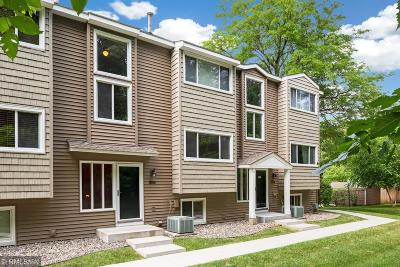 Wayzata MN Condo/Townhouse For Sale: $269,900