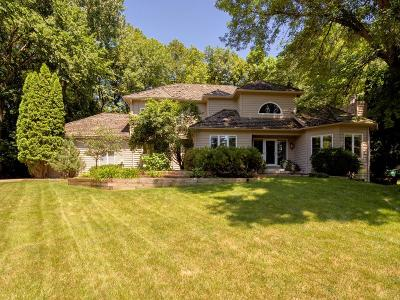 Chanhassen Single Family Home For Sale: 1570 Creek Run Trail