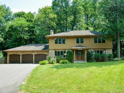 Eden Prairie Single Family Home For Sale: 18833 Kristie Lane