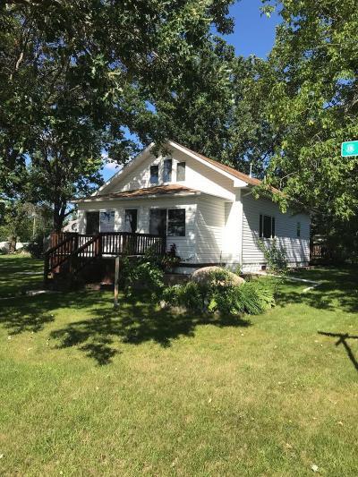 Staples Single Family Home For Sale: 902 6th Street NE