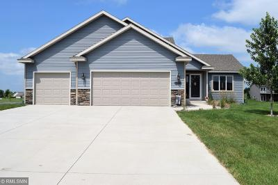 Waverly Single Family Home For Sale: 330 Bavaria Lane