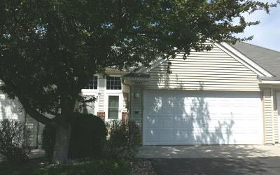 Maple Grove Condo/Townhouse For Sale: 9759 Yucca Lane N