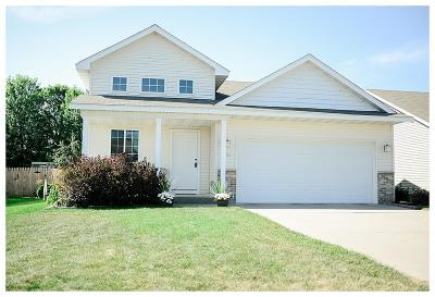 Single Family Home Contingent: 1086 Orchid Drive NE