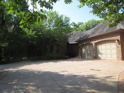 Minnetonka Single Family Home Contingent: 13975 Oakland Place