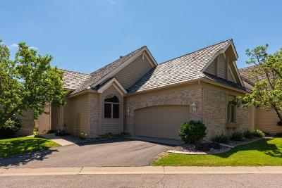 Eden Prairie Condo/Townhouse For Sale: 14889 Valley View Road