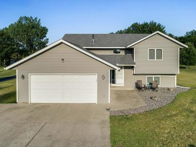 Monticello Single Family Home Contingent: 9876 Gilbert Avenue NE