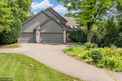 Minnetonka Single Family Home For Sale: 2001 Norway Pine Circle