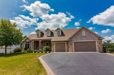 Lakeville Single Family Home For Sale: 19081 Inndale Drive