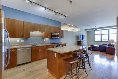 Condo/Townhouse For Sale: 215 10th Avenue S #839
