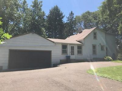 Roseville Single Family Home For Sale: 2433 County Road B W