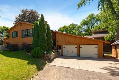 Shoreview Single Family Home For Sale: 391 E Horseshoe Drive