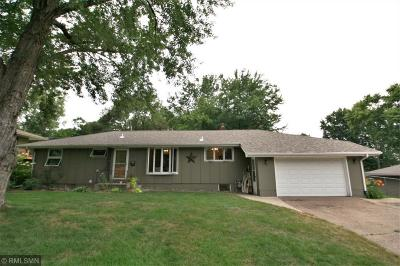 Bayport Single Family Home Contingent: 416 9th Street N