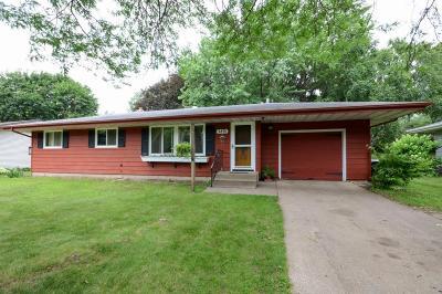 White Bear Lake Single Family Home For Sale: 3891 E County Line N