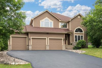 Chanhassen Single Family Home For Sale: 2571 Bridle Creek Trail