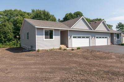Bloomington Single Family Home For Sale: 8601 Columbus Avenue S