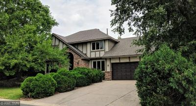Eagan Single Family Home For Sale: 1467 Kings Crest