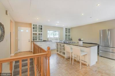 Bloomington Single Family Home For Sale: 10649 Thomas Avenue S