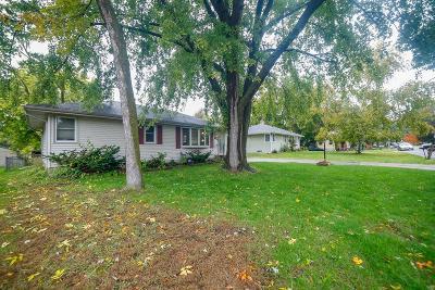 Roseville Single Family Home For Sale: 1849 Chatsworth Street N