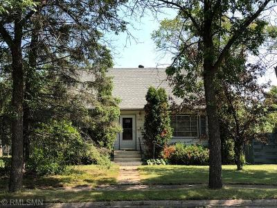 Chisholm, Hibbing Single Family Home For Sale: 3854 2nd Avenue W