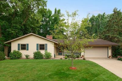White Bear Lake Single Family Home Contingent: 2568 Oak Drive