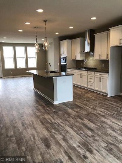Prior Lake Condo/Townhouse For Sale: 5202 Hampton Street NE