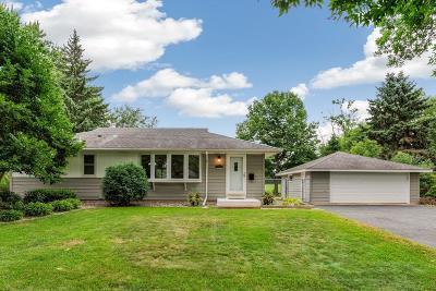 Bloomington Single Family Home For Sale: 11041 Drew Avenue S