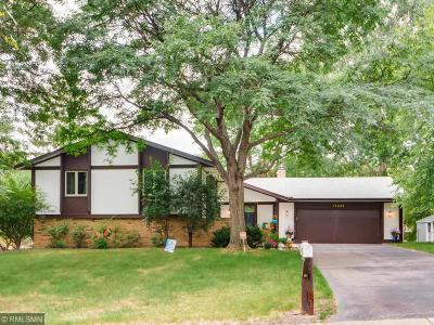 Eden Prairie Single Family Home For Sale: 14343 Golf View Drive