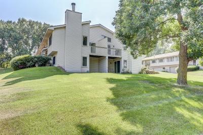 Wayzata, Plymouth Condo/Townhouse For Sale: 4236 Goldenrod Lane N
