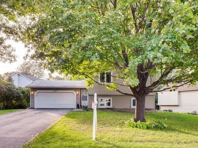 Lakeville Single Family Home For Sale: 16311 Glen Oaks Road