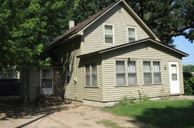 Waverly Single Family Home For Sale: 111 3rd Street S