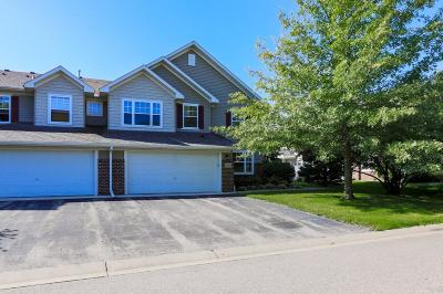 Lakeville Condo/Townhouse For Sale: 20332 Kensfield Trail