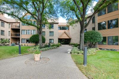 Bloomington Condo/Townhouse Contingent: 6100 Auto Club Road #216