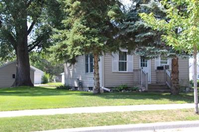 Saint Cloud MN Single Family Home For Sale: $104,900