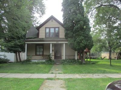 Cambridge Single Family Home For Sale: 331 4th Avenue SW