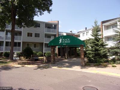 Fridley Condo/Townhouse For Sale: 1601 N Innsbruck Drive #218