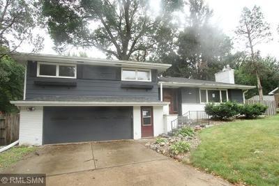 Fridley Single Family Home For Sale: 5323 Matterhorn Circle NE