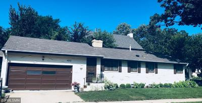 Single Family Home For Sale: 4900 S Knox Avenue