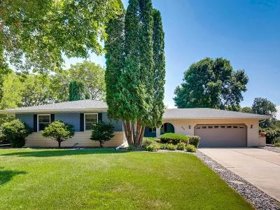 Eagan MN Single Family Home For Sale: $345,000