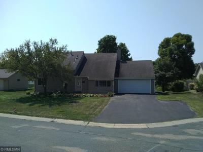 Waconia Single Family Home For Sale: 25 Dana Circle