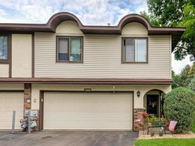 Brooklyn Park Condo/Townhouse For Sale: 7568 Maplebrook Parkway N