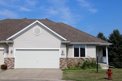 Northfield Condo/Townhouse For Sale: 2000 Park Pointe Court