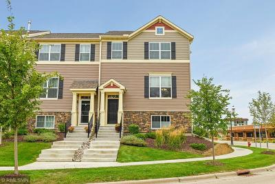 Carver, Eden Prairie, Chanhassen, Chaska Condo/Townhouse For Sale: 8931 SW Village Loop