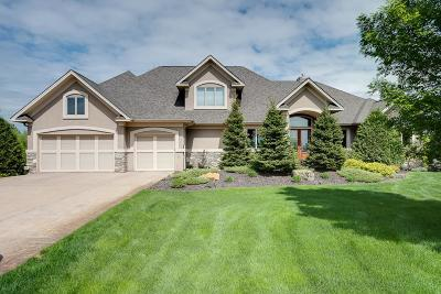 Lakeville Single Family Home For Sale: 21185 Ridgewood Trail