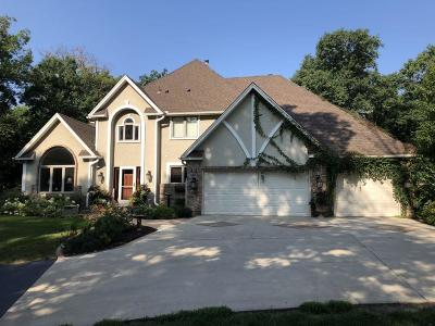 Lakeville Single Family Home For Sale: 22710 Forest Ridge Drive